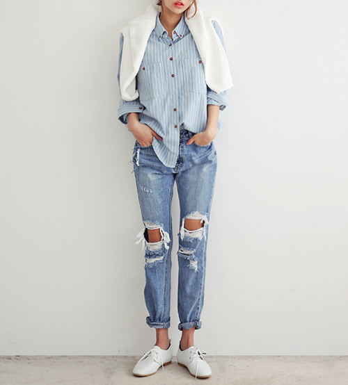 FASHION WEEKLY LOOK : jeans strappati